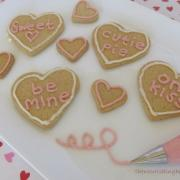 Dairy Free Sweet Vanilla Icing {Perfect for Cookie Decorating!)