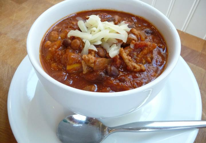 Hearty Turkey-Veggie Crockpot Chili (GF, DF Option)