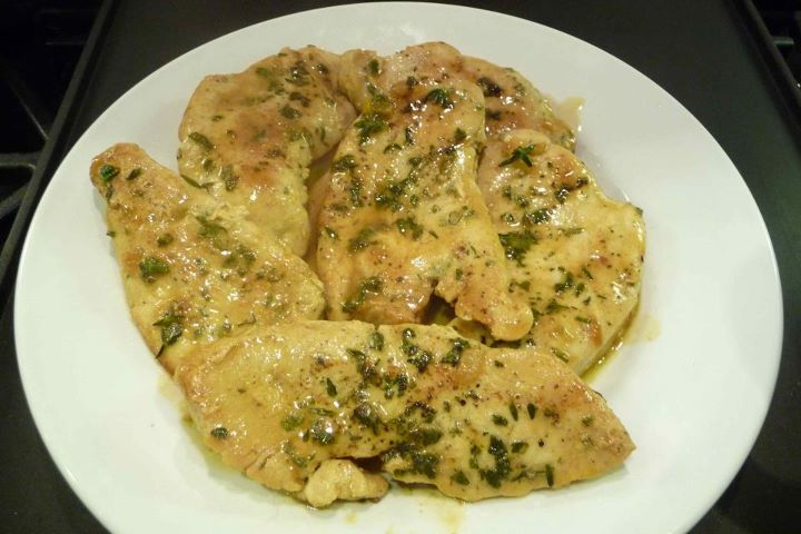 Turkey Cutlets w/Pan Gravy (GF Option)