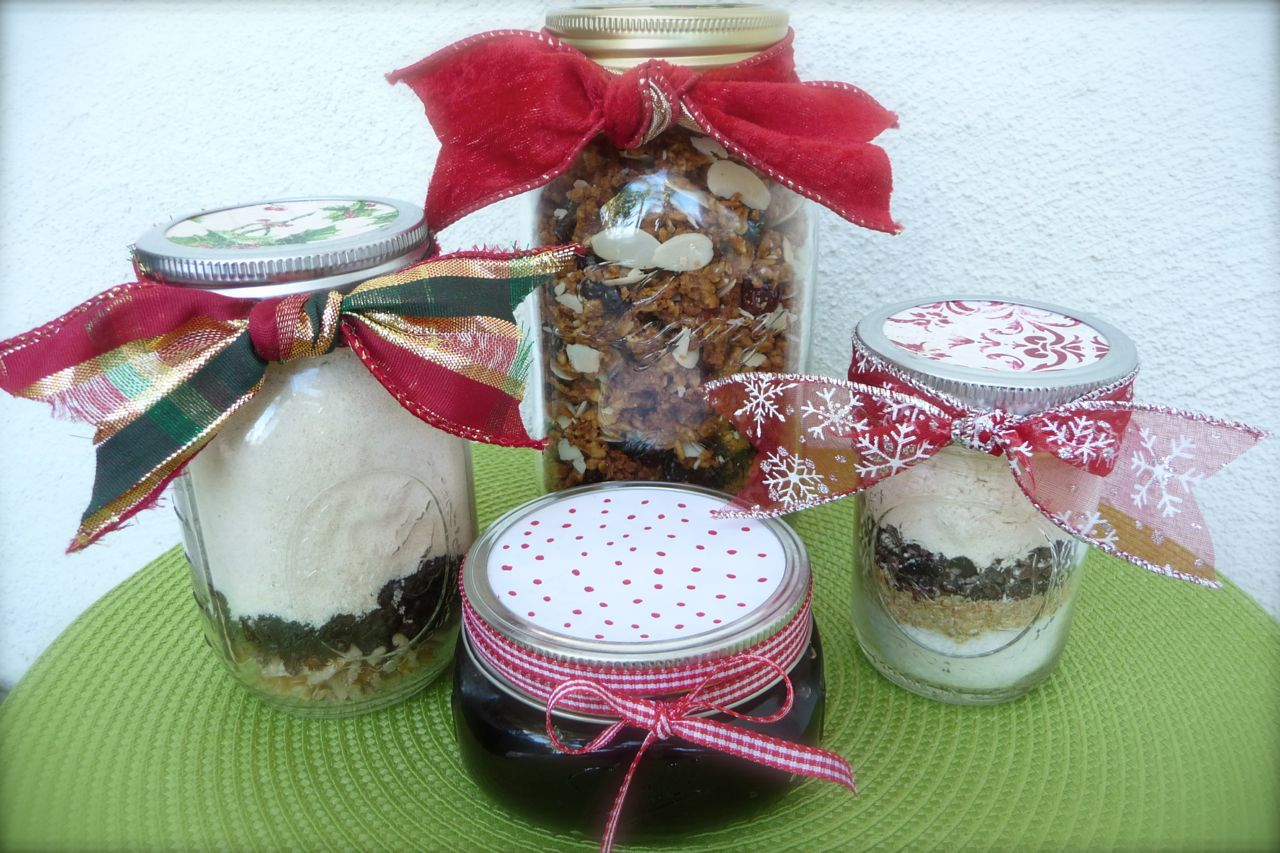 Healthy Homemade Gifts-in-a-Jar {7 Recipes & Tips for ...