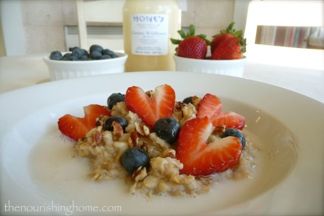 Honey Cream & Berries Oatmeal 3