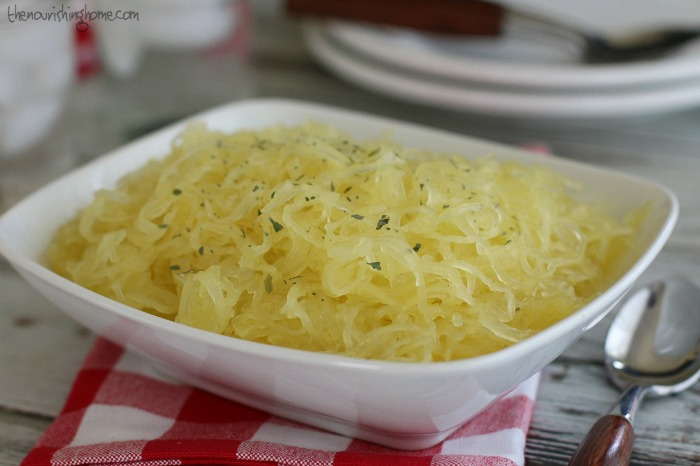 Learn how easy it is to make roasted spaghetti squash - a tasty pasta-free alternative that enables you to enjoy classic Italian-inspired favorites.